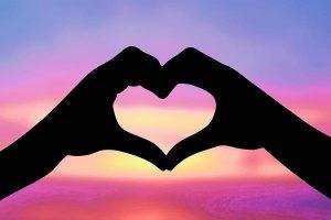 Ama a tus amigas, a tu familia y a tu pareja como te amas a ti misma